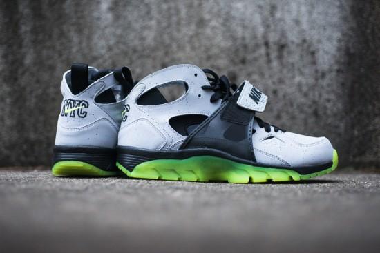 Nike_Air_Trainer_Huarache_PRM_QS_9_1024x1024