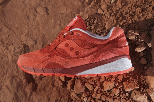 premier-x-saucony-shadow-6000-life-on-mars-pack-2